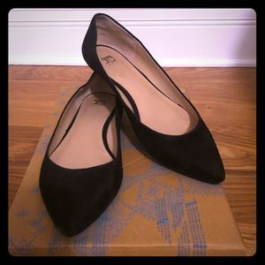 Joes Jeans Black Pointed Toe Ballet Flat in Suede